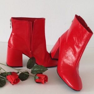 🍃🌹Boohoo - Red 'Throwback' Patent Ankle Bootie